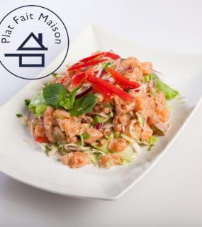 Tartare de saumon aux herbes aromatiques Thai
